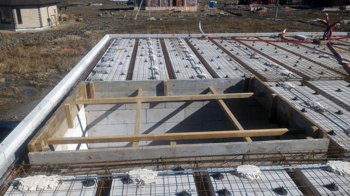 Подготовка к бетонированию сборно-монолитного перекрытия